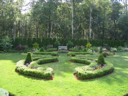English Gardens, Formal, Topiary